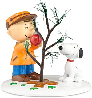 Department 56 Peanuts Village The Perfect Tree Accessory Figurine