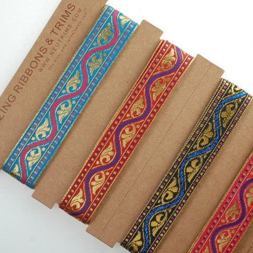 Superbe Inde sari ruban décoratif, 2 cm, or rouge, violet & Cerise. Bordure avec ruban indien Motif Jacquard, satin et ruban métallique Garniture, mais doux pour couture ou loisirs créatifs ou scrapbooking ou cartes. Lavable et durable à décorer vêtements ou intérieur ou comme accessoire Craft. 3 couleurs à choisir de rouge, rouge cerise, noir avec Violet. Fab décoratif Coupe garnitures ou robe., Polyester, Metallic Violet / Black, 1 Reel of 16.4 meters