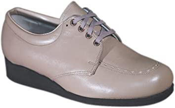 Clinic Women's Villager Leather Casual Lace Shoe