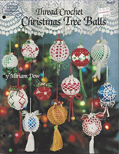 Thread crochet Christmas tree balls