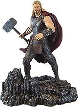 DIAMOND SELECT TOYS Thor: 23cm Thor: Ragnarok Marvel Gallery Statue Figurine & 1 Marvel Trading Card Bundle (82550)