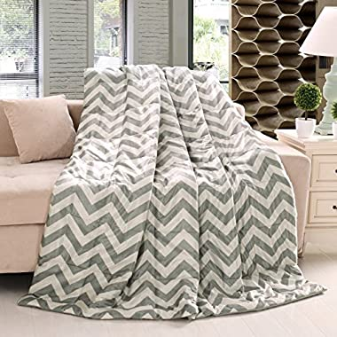 Exclusivo Mezcla 60  x 70  Large Quilted Throw Blanket, Grey and White Chevron Pattern- Soft, Lightweight, Plush, Warm and Cozy