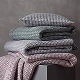 URBANARA 240x265 cm Tagesdecke/Plaid Anadia Minzgrün — 100prozent Reine Baumwolle — Perfekt als Bettüberwurf oder Kuscheldecke — Stonewashed-Effekt — geeignet für Einzel- & Doppelbett