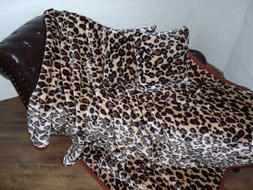 Natur-Fell-Shop 3tlg. Set Kuscheldecke Tagesdecke Leopard-Design 160x200cm + 2 Kissen 40x40cm