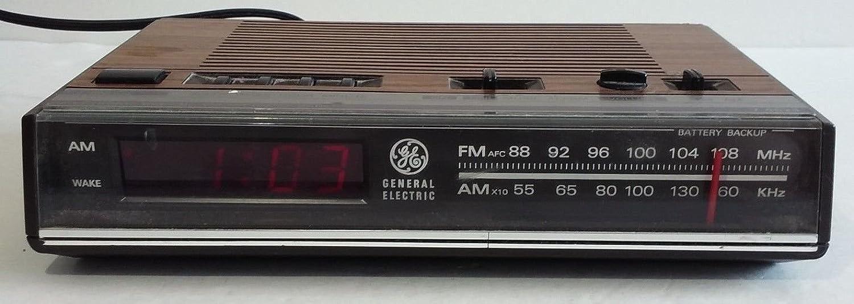 Vintage 80s GE AM FM Digital Alarm Clock Radio Woodgrain Model 7-4624B WORKS