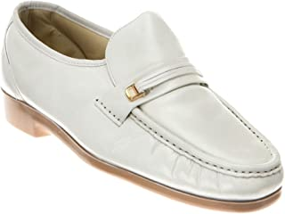 cf6591ba27615 Amazon.com  White Men s Loafers   Slip-Ons