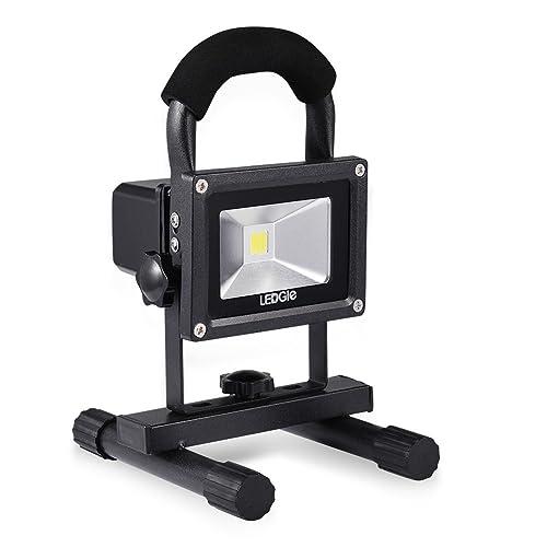 LEDGLE 20W Projecteur LED Portable et Rechargeable 1500 Lumens Equivalent à Ampoule Halogène de 110W Lampe de Travaux Étanche IP65 avec Chargeur Voiture et Adaptateur Secteur