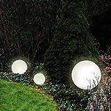 Dapo 2X Außen-Garten-Kugel-Leuchte-Lampe Marlon (Kugel Kunststoff weiß D: 20+30cm) mit Erdspieß, E27, IP44, Dekorations-Party-Wege-Leuchte-Lampe