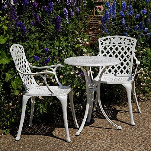 Lazy Susan - Ella 60 cm Bistrotisch mit 2 Stühlen - Rundes Gartenmöbel Set aus Metall, Weiß (Kate Stühle, Blaue Kissen)