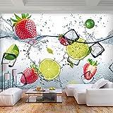 decomonkey Fototapete Küche Obst 350x256 cm XL Tapete Fototapeten Vlies Tapeten Vliestapete Wandtapete Moderne Wandbild Wand Schlafzimmer Wohnzimmer grün weiß Zitrone Erdbeere Wasser EIS