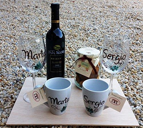 Regalo Bodas personalizado con 2 copas de vino, dos tazas, galletas y...