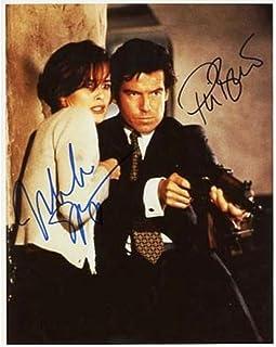◆直筆サイン ◆007 ゴールデンアイ ◆GOLDENEYE (1995) ◆ピアース ブロスナン as ジェームズ ボンド ◆Pierce Brosnan as James Bond ◆イザベラ スコルプコ as ナターリャ シモノヴァ ◆I...
