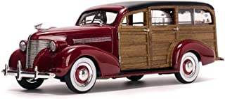 SUNSTAR 1:18 AMERICAN COLLECTIBLES - 1939 CHEVROLET WOODY SURF WAGON WITH SURFBOARD RED SS6176