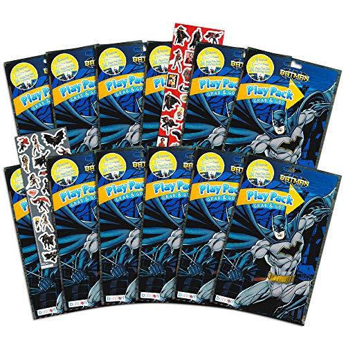 DC Comics Batman Party Favors Pack ~ Paquete de 12 paquetes de Batman de juego rellenos con pegatinas,…