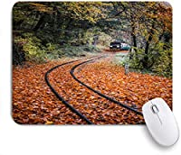 EILANNAマウスパッド 秋の風景電車と線路フォレストオレンジ落葉性森林 ゲーミング オフィス最適 おしゃれ 防水 耐久性が良い 滑り止めゴム底 ゲーミングなど適用 用ノートブックコンピュータマウスマット