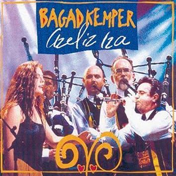 Azeliz Iza (Breton Pipe Band - Celtic Music from Brittany - Keltia Musique - Bretagne)