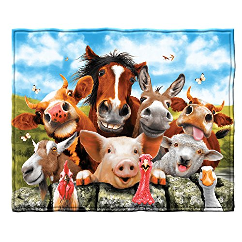 Dawhud Direct Farm Animals Selfie Super Soft Plush Fleece Throw Blanket
