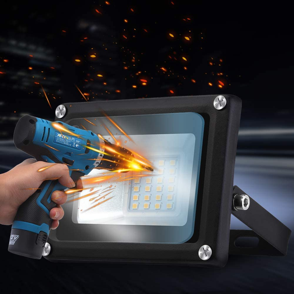 l/ámpara de pared ideal para jard/ín 30W Foco LED Exterior foco de luz blanco c/álido 2800-3200K foco de aluminio foco exterior garaje enchufe UE 3000LM IP65 Resistente al agua