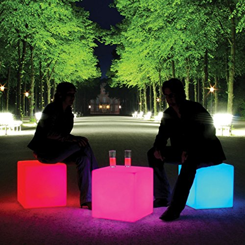 Moree Cube Outdoor Cube éclairé avec LED et batterie pour décoration d'extérieur