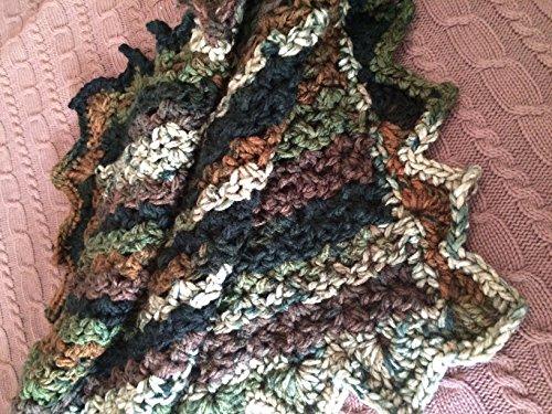 handmade chunky yarn camo baby/lap afghan