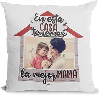 Getsingular Cojines Personalizados con Fotos para mamá |Cojín Día de la Madre | Cojín 40x40 cm con Relleno | Frase En Esta casa Tenemos la Mejor mamá