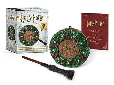 Harry Potter: Hogwarts Christmas Wreath and Wand Set: Lights Up!