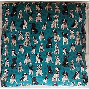 Weiches Hundekissen türkis mit Hundemotiv Hundebett Größe 70 x 70 cm