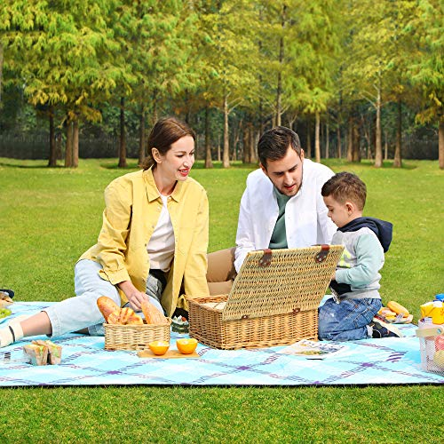 SONGMICS Picnic Blanket, 200 x 200 cm, Large Camping Picnic Rug and Mat for Beach, Park, Yard, Outdoors, Waterproof Layer, Machine Washable, Foldable, Light Blue Tartan, GCM087Q02