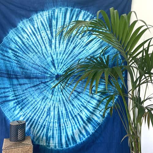 MOMOMUS Tapiz Shibori Tie Dye - 100% Algodón, Grande, Multiuso - Tapices de Pared Decorativos Ideales para la Decoración del Hogar, Habitación o Salón - Azul A, 210x230 cm
