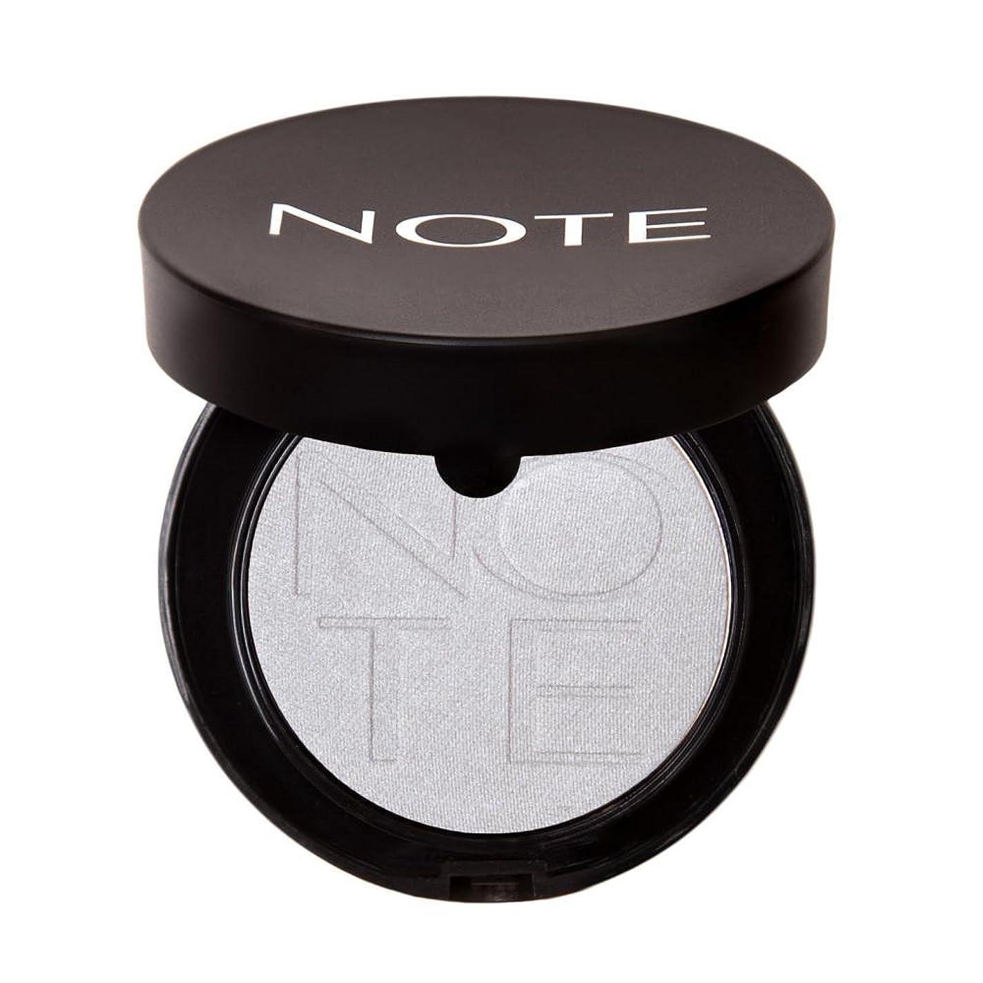 一人でドームインタラクションNOTE Cosmetics ルミナスシルクモノアイシャドウ、 0.16オンス 第15号