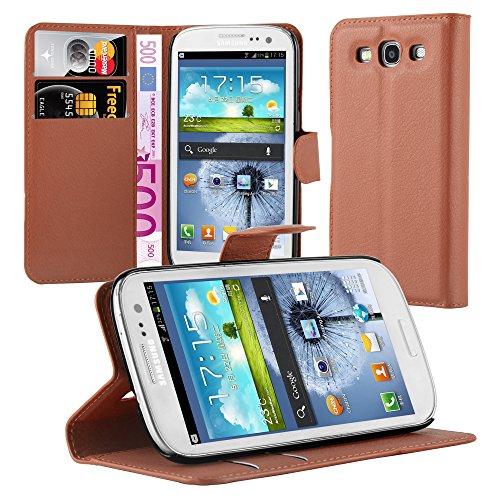 Cadorabo Custodia Libro per Samsung Galaxy S3 / S3 Neo in Marrone Pastello - con Vani di Carte, Funzione Stand e Chiusura Magnetica - Portafoglio Cover Case Wallet Book Etui Protezione