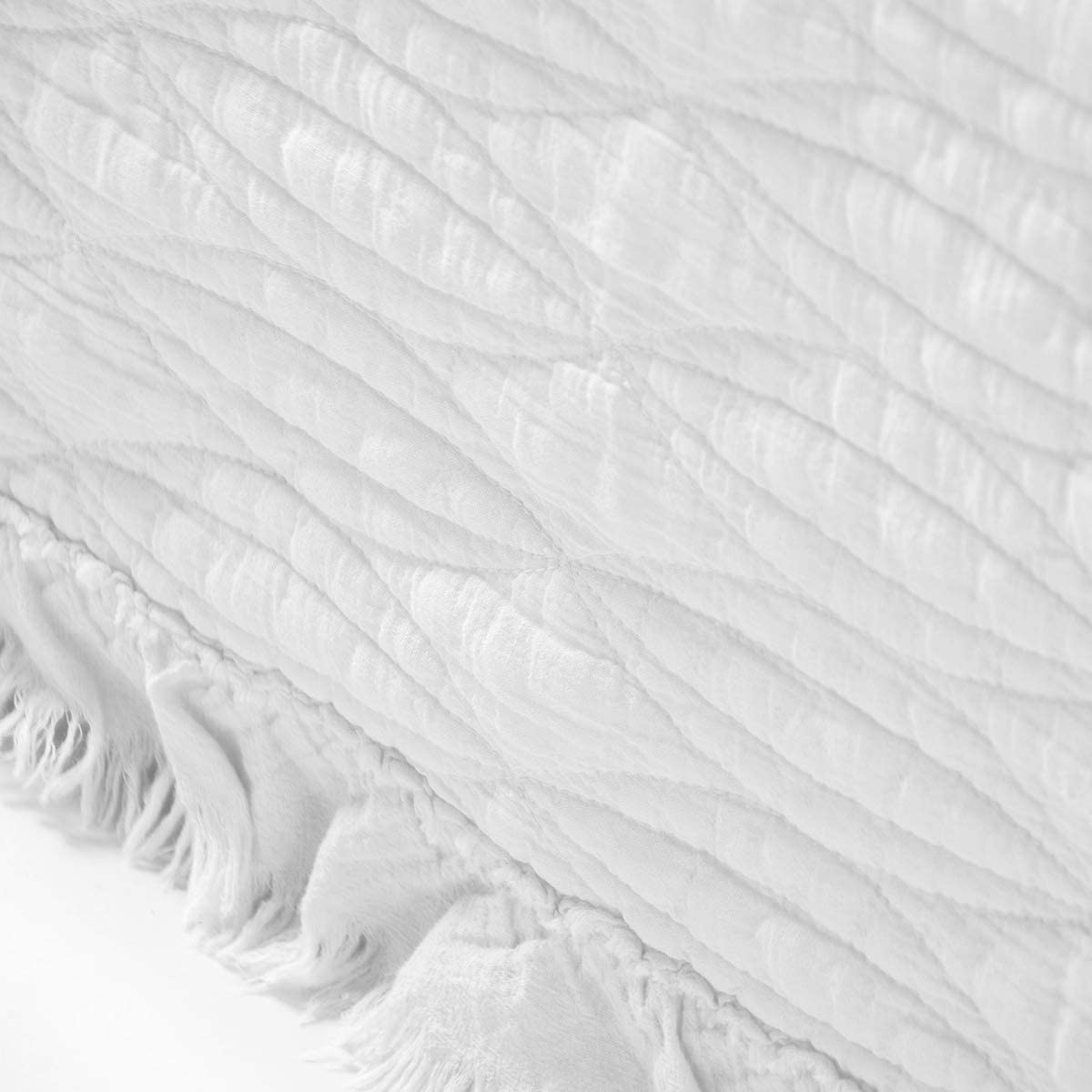 White 1 Quilt and 2 Pillow Shams NIUD/ÉCOR HOME 3-Piece Quilt Set Cotton Reversible Stone Washed Coverlet Set with Ruffle Full//Queen