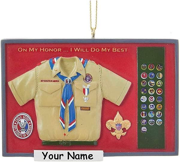 Kurt Adler 个性化童子军圣诞装饰品老鹰童子军卡其色制服衬衫,带有徽章和围巾,在阴影盒中,您可以选择姓名
