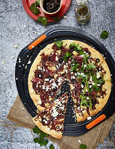 Le Creuset Toughened Non-Stick Bakeware Pizza Pan, Black, 38.7 x 36.7 x 1.2 cm 1