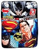 """Batman DC Comics Fleecedecke mit Motiv V Superman """"Clash"""", kuschelig weich, großer Druck"""