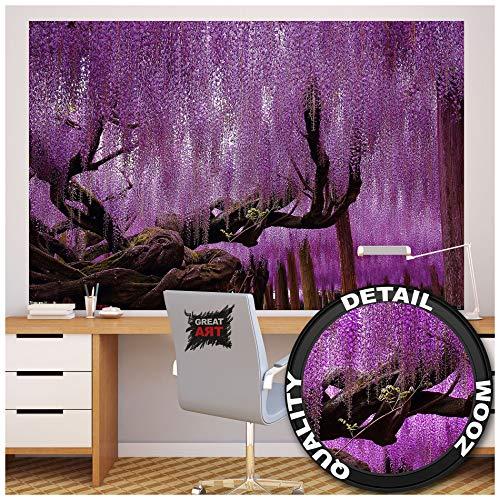 GREAT ART XXL Poster – Wisteria – Wanddekoration Landschaft Violette Blüten lila Wald Deko Landschaft Wandbild Dekoration Wohnzimmer Blumen Motiv Fotoposter Dekoration (140 x 100 cm)