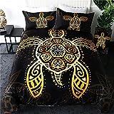 Juego de cama para 2 personas, diseño de tortuga dorada, tortuga de mar tribal dorada, tatuando la concha, un fondo negro, funda nórdica 100% microfibra (228 x 264 cm)