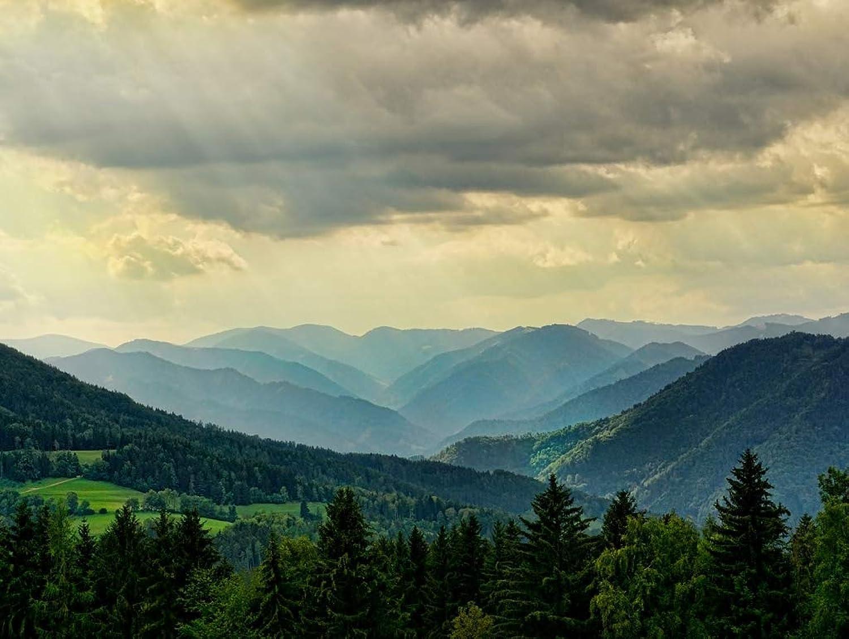 Lais Jigsaw Mountains in landscape 2000 pieces