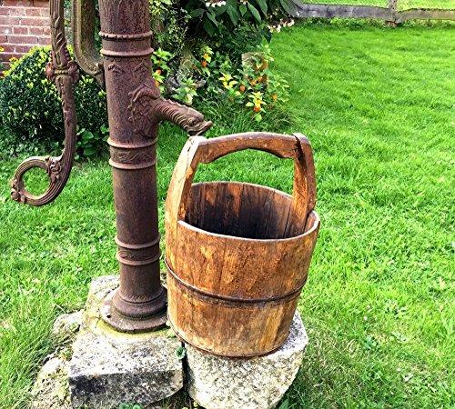 Antikas - Brunneneimer aus Holz - mittelalterliche Holzeimer mit Eisenbeschlag