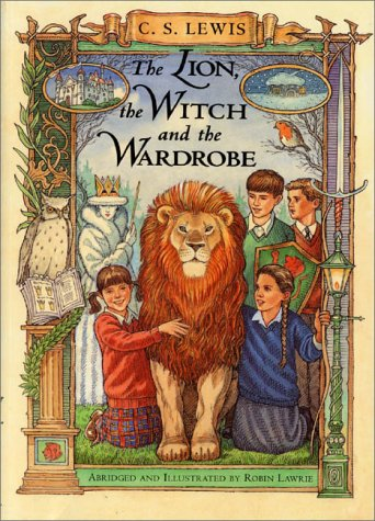 The Lion, the Witch and the Wardrobe: A Graphic Novel (Chronicles of Narnia)