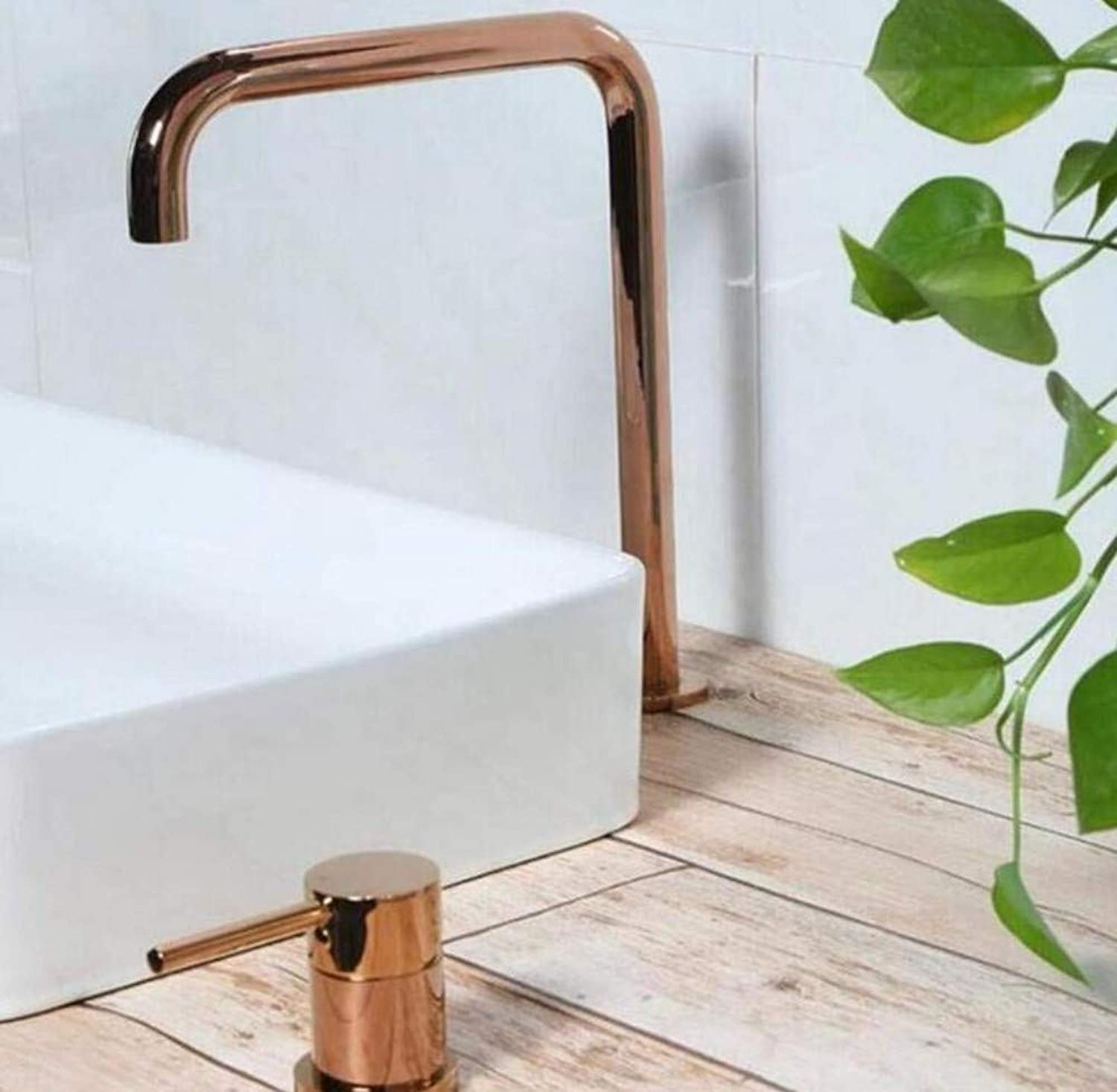 Retro Faucetcold and Hot Water Bathroom Faucet Fashion Style Tap Mixer