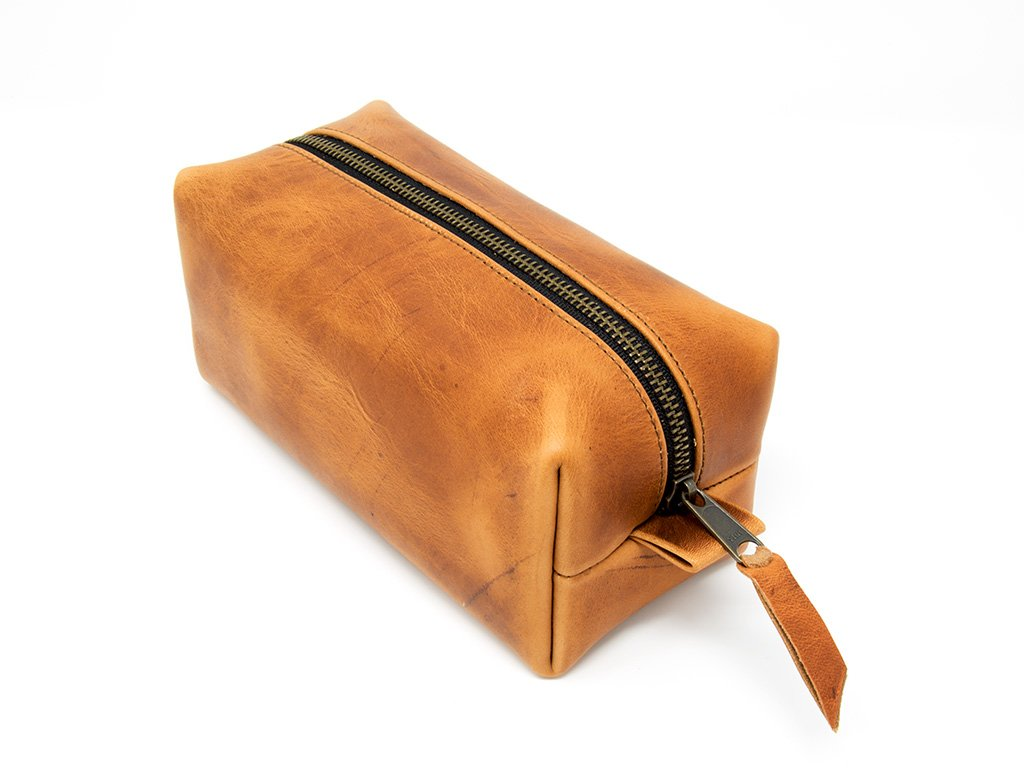 Genuine Max 80% OFF Leather Dopp Kit Portable Toiletry Shaving Bag sale Men's for