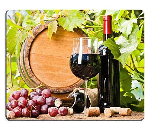 MSD Caucho Natural Gaming Mousepad imagen ID: 29532412barril de botella de vino rojo de cristal de y en el fondo de uvas Hojas