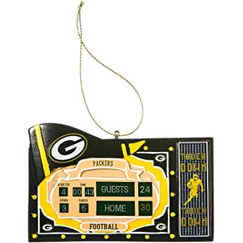 Amazon Com Team Sports America Polystone Green Bay Packers Scoreboard Ornament Clothing