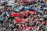 Posterlounge Leinwandbild 100 x 70 cm: Alte Autos in einem Müllverdichter von Editors Choice - fertiges Wandbild, Bild auf Keilrahmen, Fertigbild auf echter Leinwand, Leinwanddruck