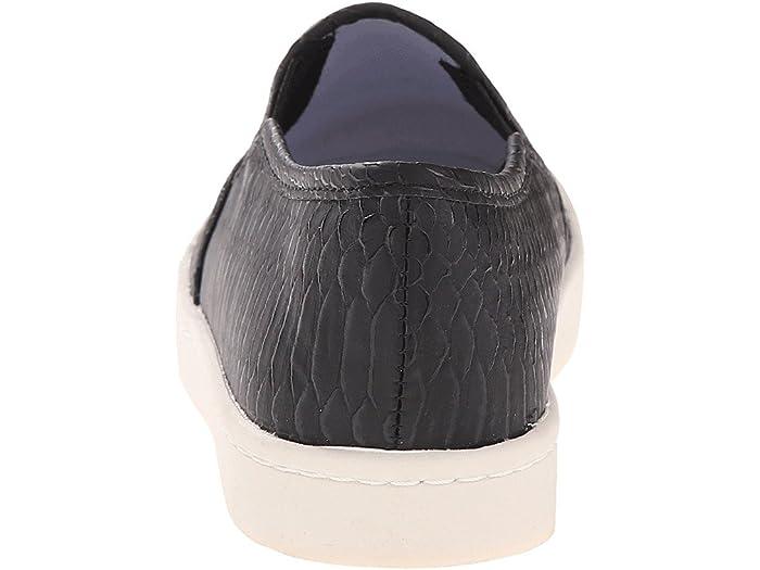 Report Womens Arvey Sneaker