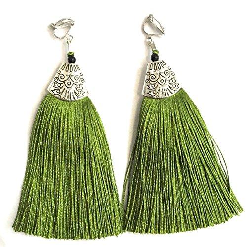 Pendientes largos con borla de color verde lima