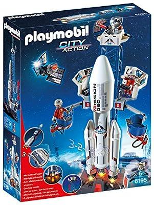 Base de lancement avec fusée, deux personnages et de nombreux accessoires (satellite, robot, outils, ordinateur…). Avec effets sonores et lumineux (nécessite 2 piles 1,5V AA non fournies). La plateforme de contrôle est mobile. La capsule se détache d...