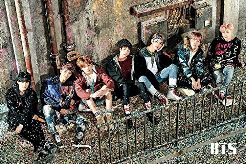 """Poster con scritta """"You Never Walk Alone BTS"""", dimensioni: 30 x 45 cm"""