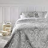 Set aus Tagesdecke & 2 Kissenbezügen – Große Größe – romantischer Stil – Farbe Grau & Weiß
